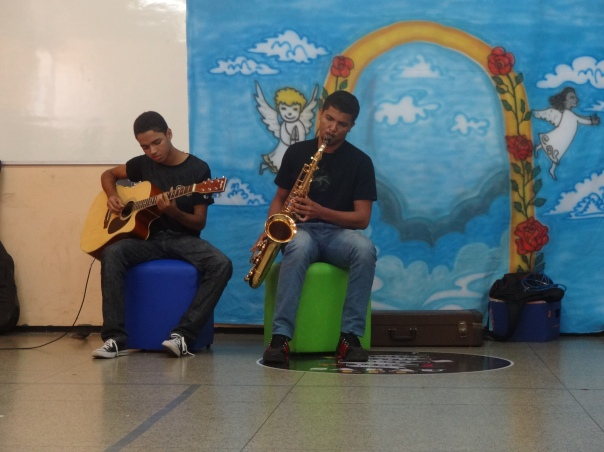 Danilo Leite (saxofone) e Iago Pereira (2)