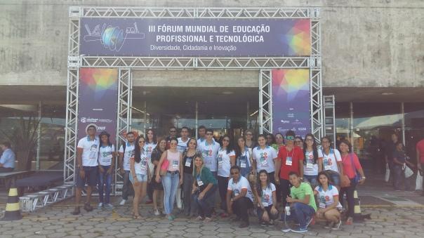 Professorxs, alunxs e bolsistas do Colégio Técnico de Floriano.