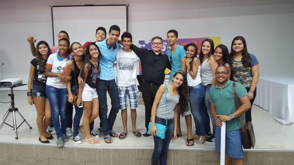 Alunxs do CTF com o Pe. Bruno Lira